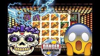 Danger! High Voltage Slot 3086x Crazy Big Win live on Twitch!
