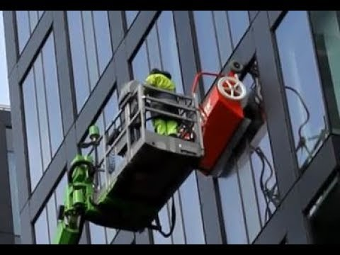 hyCLEANER® red EVO I - Window / façade cleaning in Stockholm