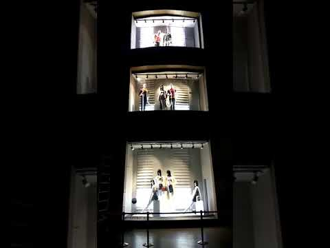Shoppers Stop steps on to LED stairs