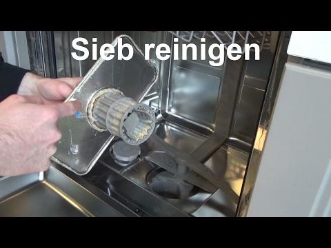 Sieb Geschirrspülmaschine reinigen Filter Grob u  Feinsieb Geschirrspüler sauber machen Spülmaschine