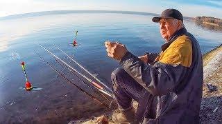 Приехали на реку, а она замерзла 🐟 Рыбалка на Ультралайт в начале зимы