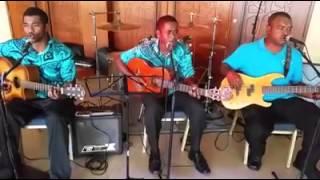 Tolu Band Fiji   Boys II Men Cover On Bended Knee