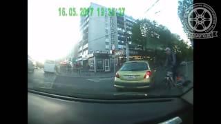 Типичный велосипедист-2. Пр. Мира. Калининград. 16.05.17