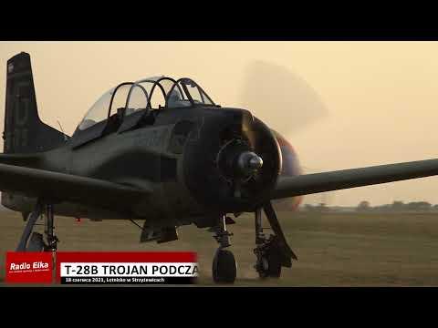 Wideo1: Pilot Rainer Steinberger w samolocie T-28B Trojan podczas pokazów lotniczych w Lesznie