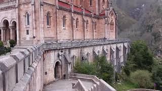 Santa Cueva de Covadonga y Santuario Covadonga.