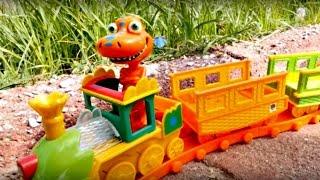 Развивающее видео для детей. Игрушки из мультфильма поезд динозавров.