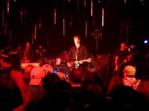 Queens Of The Stone Age : LIVE : Hispanic Impressions