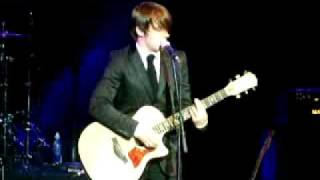 Drake Bell - I found a way acoustic live in San Diego