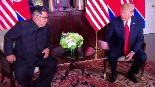 米朝会談スタート両首脳が握手