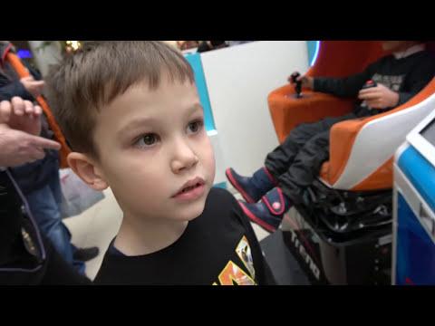ЧЕЛЛЕНДЖ ГОРОД или СЕЛО?! Мальчики против девочек / Как Макс весело проводит время с папой (видео)