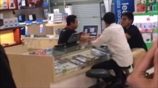Jokowi Temani Kaesang Belanja Gadget di Store Bhinneka.com