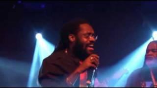 Tarrus Riley FEB 12th 2010(Live HQ)-Lion Paw-Love's contagious Live in Paris(again)