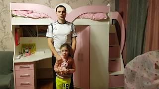 Детская кровать-чердак с рабочей зоной, угловым шкафом и лестницей-комодом КЛ28-2 Merabel от компании Мерабель - видео