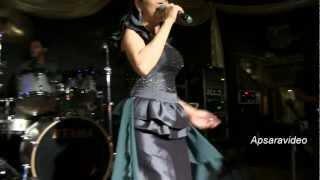Chhoun Sovanchai sings Cambodian song Ancheung Chol Chos Beur Sralanh