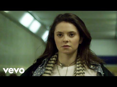 , title : 'Francesca Michielin - Distratto (videoclip)'