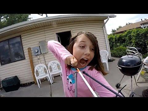 超帶種!11 歲小妹妹為我們示範弓箭的正確用法!(誤)
