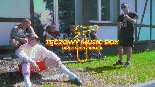 """chillwagon złoty drop:  https://www.chillwagonchillwagon.com   """"tęczowy music box"""" w cyfrze:  https://tiny.pl/tj95d  chillwagon to nie tylko:  https://www.instagram.com/borixon_newbadline/ https://www.facebook.com/borixon.kielce  https://www.instagram.com/kizo_wnik_058/ https://www.facebook.com/KizoOficjalnie/  https://www.instagram.com/zabsonziomal/ https://www.facebook.com/ZabsonVLB/  https://www.instagram.com/zetihavlb/ https://www.facebook.com/zetihavlb/  https://www.instagram.com/reto_synku/ https://www.facebook.com/23BOA/   https://www.instagram.com/dejwsecretrank/ https://www.facebook.com/SecretRankMusic/  https://www.instagram.com/kooza_vids https://www.facebook.com/yungKOOZA  https://www.facebook.com/itsmojimusic/ https://www.instagram.com/modzito/      Tittle;  tęczowy music box; Artist; borixon, zetha, żabson, kizo, reto Music; secretrank; Mix/mastering; DJ Johnny  Video; KOOZA Executive producer: Borixon"""
