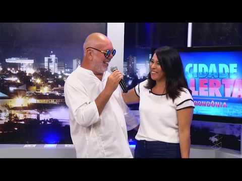 Sandra Santos conversa com o homenageado do Cineamazônia, Beto Bertagna - Gente de Opinião