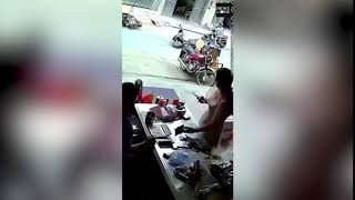 Dramatic footage of a accident a scooty suddenly turned and hit a scooter,India