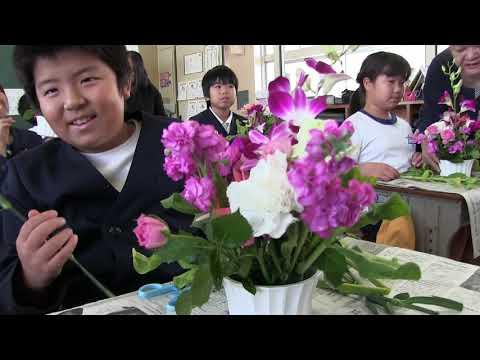 種子島の学校活動:住吉小学校フラワーアレンジメント体験