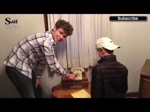 Hilarious video show 17 year old teenagers baffled by rotary phone