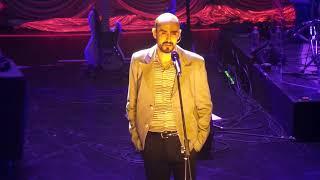 Abel Pintos – Sin principio ni final (Teatro Oriente,  Santiago - Chile)