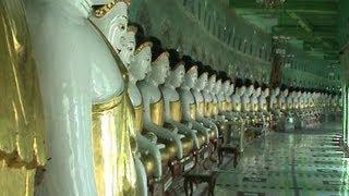preview picture of video 'Burma / Myanmar - Mandalay - Pagodas and Bagaya Kyaung Monastery'