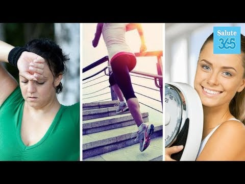 Serie di esercizi per la palestra per ragazze per perdita di peso di una fotografia
