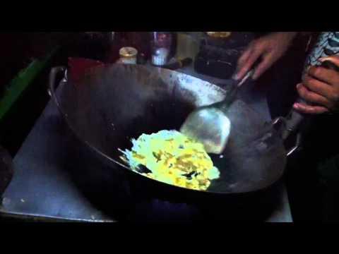 Video Nasi goreng abang-abang Tamansari Persada Raya Golf (Pak Min)