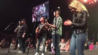 Chris Tomlin - 10,000 Reasons - Worship night in America