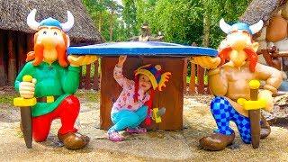 Настя в СУПЕР парке развлечений Funny Kid in the Amusement park Entertainment for kids