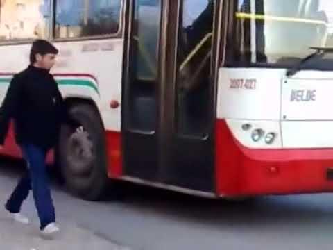 Troll xe bus - Ở VN chú này ko ăn đòn hơi phí