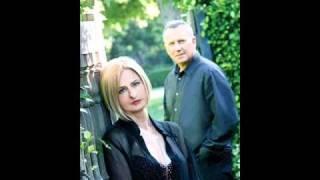 Julia Fordham and Paul Reiser 'Fine'