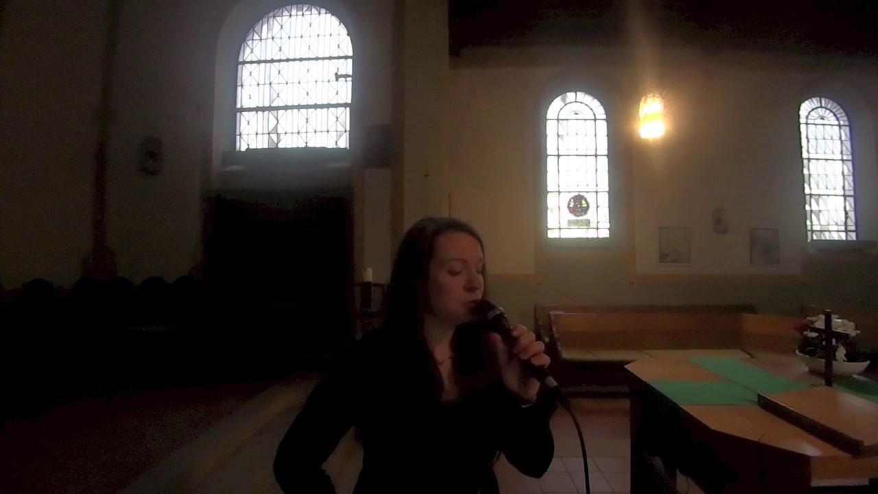 Von guten Mächten wunderbar geborgen - Kirchenlied gesungen von Dina Regniet