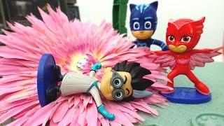 Герои в Масках и Принцесса София! Про игрушки, принцесс, кукольный дворец, волшебный цветок и КРАЖУ!