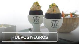 Huevos negros rellenos, la receta que dará que hablar entre tus invitados