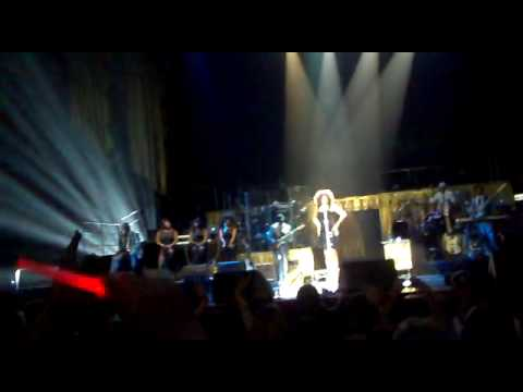 Whitney Houston - I Will Always Love You Snippet - Melbourne - March 1st  .mp4