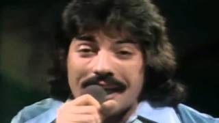 Tony Orlando, Dawn - Tie a Yellow Ribbon Round the Ole Oak Tree
