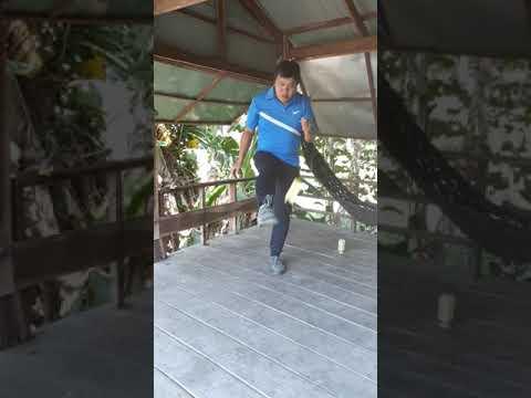 Thể dục 8: Phát cầu bằng mu bàn chân
