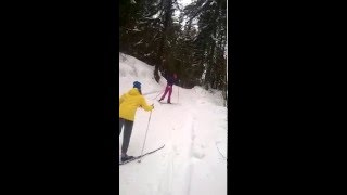 Девочки катаются на лыжах, РЖАЧь СМОТРЕТЬ ВСЕМ =))
