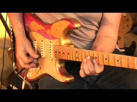 FENDER 69 Stratocaster Relic Paisley Aztek Gold Elektrická kytara