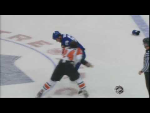 Andre Deveaux vs. Josh Gratton