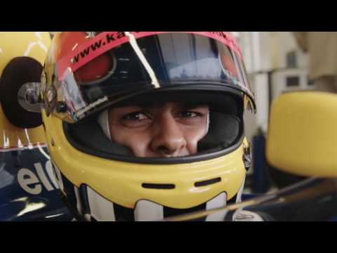 Karun Chandhok drives the iconic Williams FW14B at Silverstone