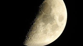 Засняли луну на камеру с нереально крутым зумом