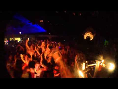Guy looses his mind at a rave!
