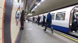 preview picture of video 'Piccadilly Line Tube at  Bounds Green 17 October 2014'