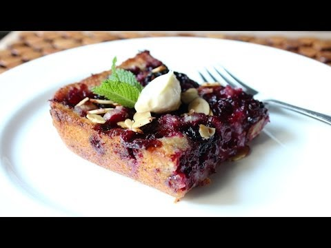 Blackberry Buckle Recipe – How to Make a Blackberry & Almond Buckle