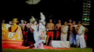 preview picture of video 'sisaket doklumduan 7/8 เทศกาลดอกลำดวนบาน'