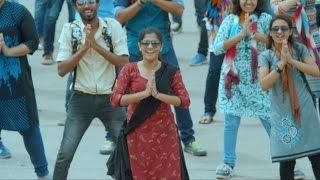 Maheshinte Prathikaaram I Flash mob  I Mazhavil Manorama