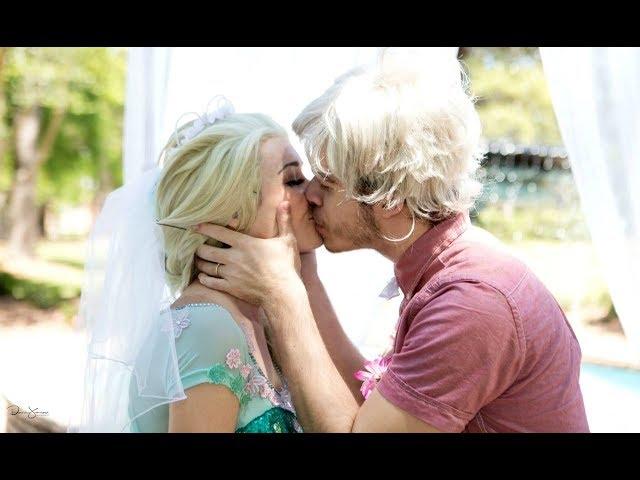 Is frozen elsa kissing jack alice pretend princess preparing the jelsa wedding jack frost thecheapjerseys Choice Image